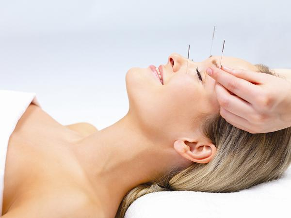 【本当に効果があるの?】話題の美容鍼灸について徹底解説!