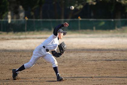 投球動作における肘の痛み