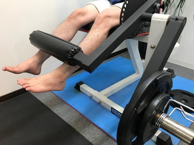 脚の筋力をつけなければ改善はしません!