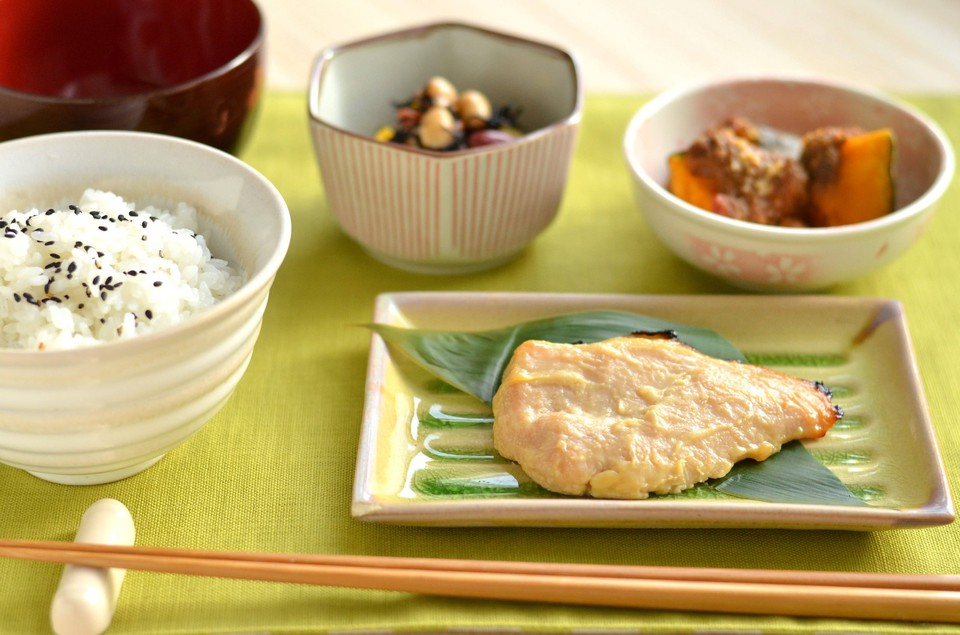 <span>2.</span>朝ごはんには和食